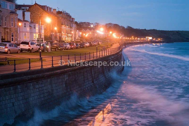 Dusk at the Promenade of Filey Bay | Yorkshire Landscape Photography