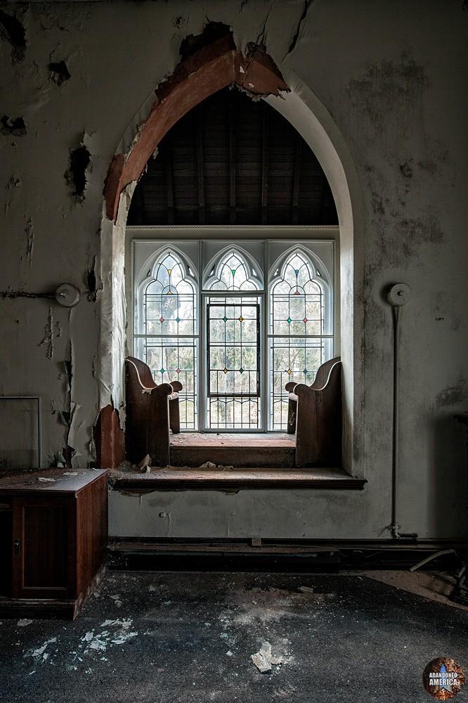 St. Peter's Episcopal Church (Germantown, PA) | Window Seat - St. Peter's Episcopal Church