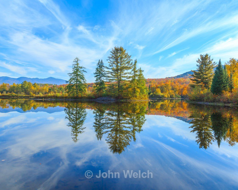 Coffin Pond in Fall - Fall Foliage Season Transitions