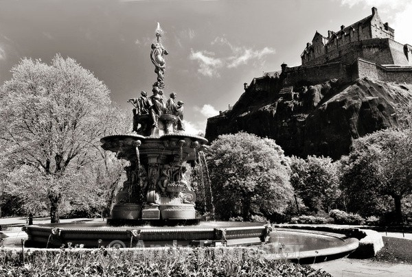 Edinburgh Castle - Black and White