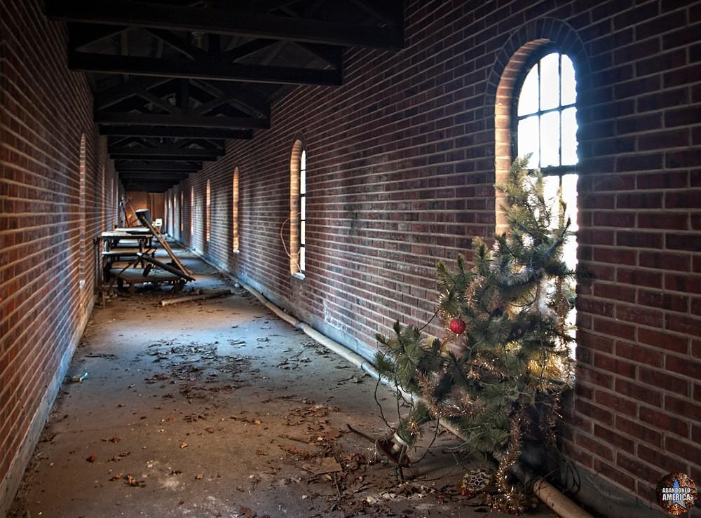 Pilgrim State Hospital (Brentwood, NY) | Holiday Spirit - Pilgrim State Hospital