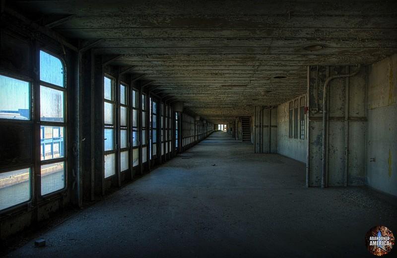 promenade | SS United States (Philadelphia, PA) - SS United States