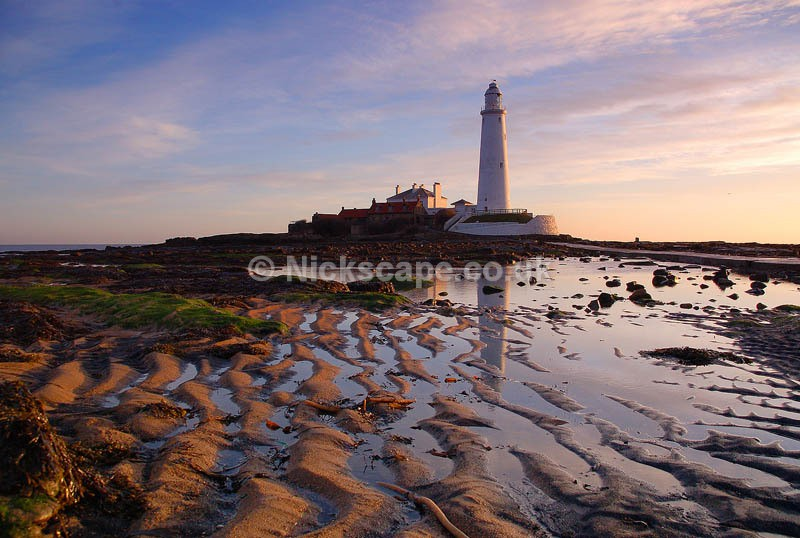 Sunrise at the lighthouse   North Tyneside Coastal Photography Gallery