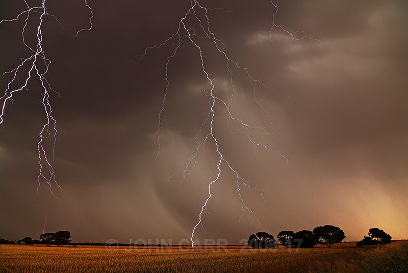 Over head Strikes-2421 - LIGHTNING STORMS IN SOUTH AUSTRALIA 5th NOV 2012