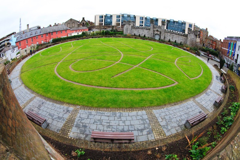 Dubhlinn Gardens - Dublin - through a fisheye lens