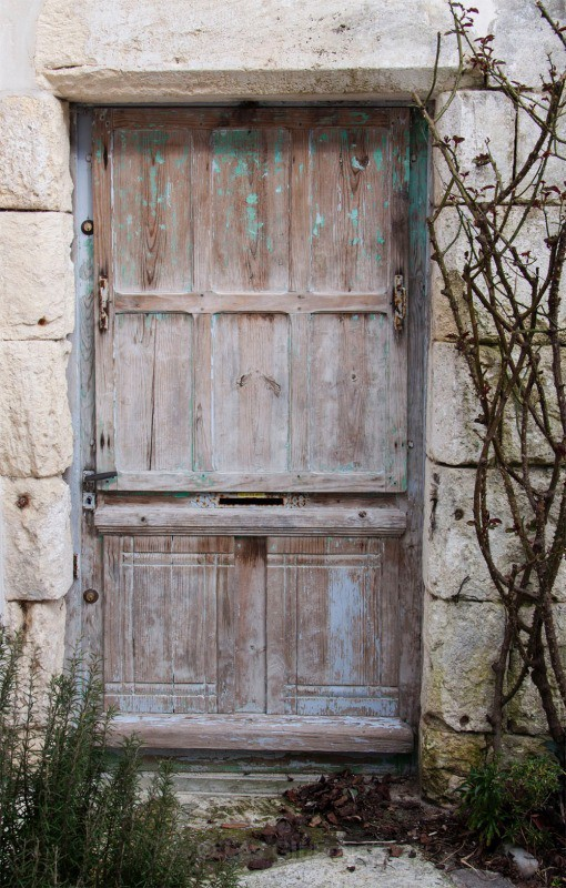 Talmont worn door - The Gironde