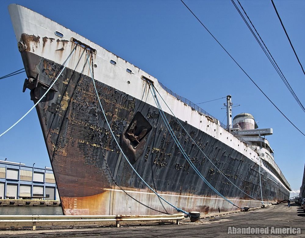 the last of her kind | SS United States (Philadelphia, PA) - SS United States