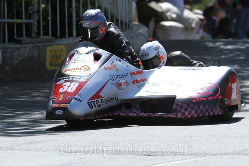 IMG_2374 - Sidecar Race 2 - TT 2013