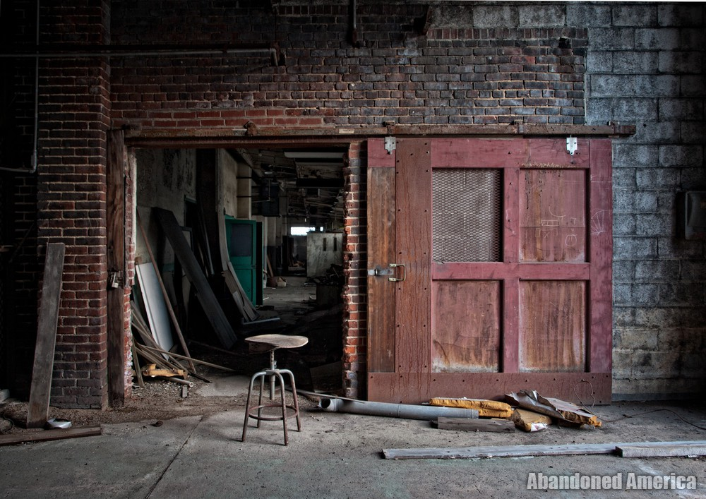 New Jersey Zinc (Palmerton, PA) | Packing Room Entrance - New Jersey Zinc