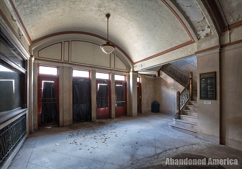 Abandoned Lobby - Matthew Christopher's Abandoned America
