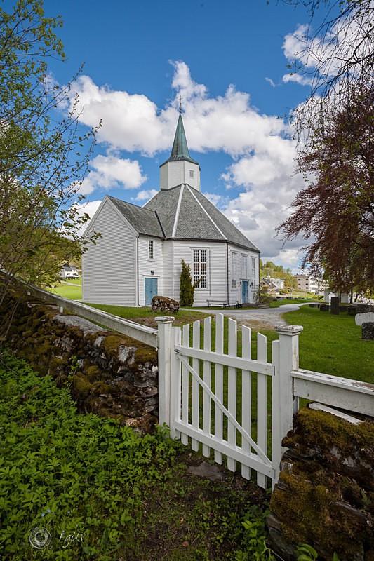 Kleive kirke 20160521-IMG_8724_5 - Kirker