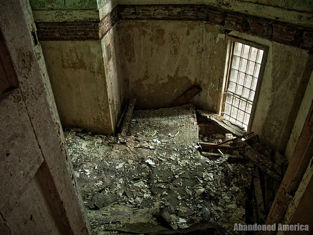 Room collapse, Taunton State Hospital