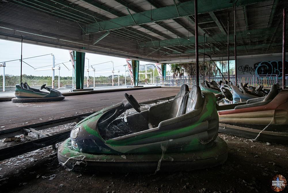 Six Flags (New Orleans, LA) | Beach Bang-Up Bumper Cars - Six Flags New Orleans