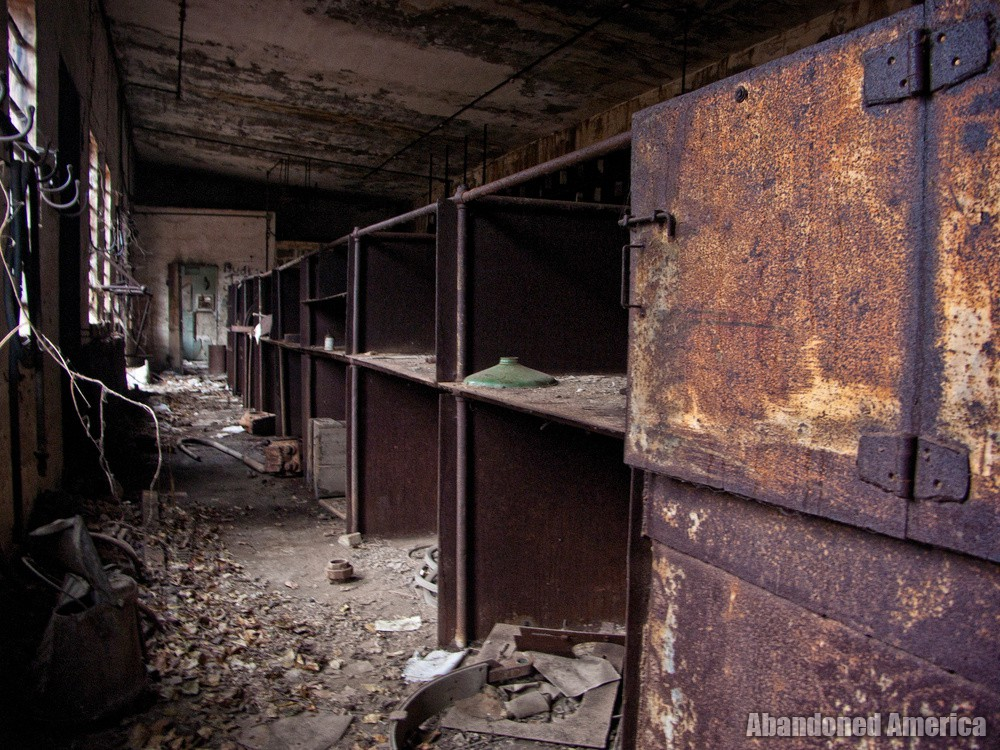 Billmeyer Limestone Quarry (Bainbridge, PA) | Rusting Shelves - Billmeyer Limestone Quarry