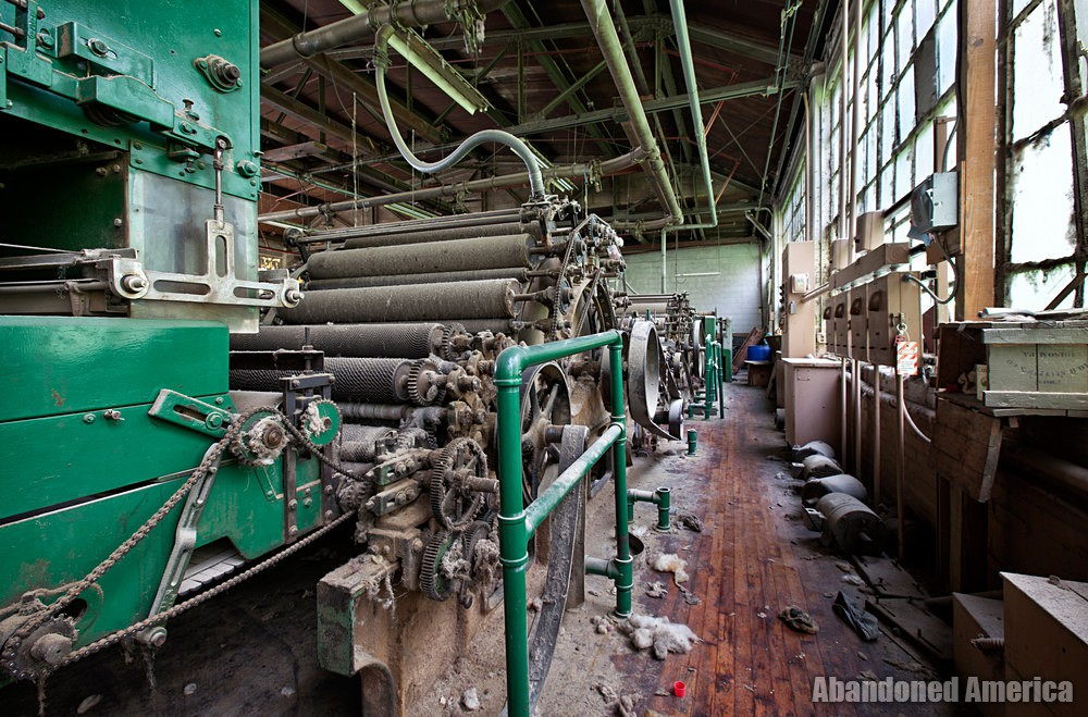 Wilde Yarn Mill (Manayunk, PA) | Machinery Aisle - Wilde Yarn Mill