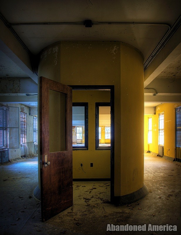 'it gets colder and colder every day', undisclosed state hospital | Abandoned America
