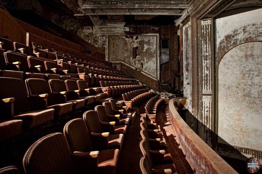 Victory Theatre (Holyoke MA) | Balcony Profile - The Victory Theatre