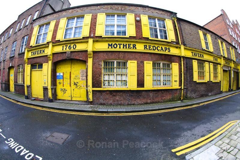 Mother Redcap's Pub - Dublin - through a fisheye lens