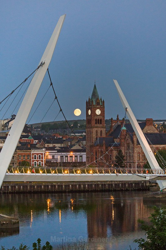 Derry Moonset - Ireland by Day