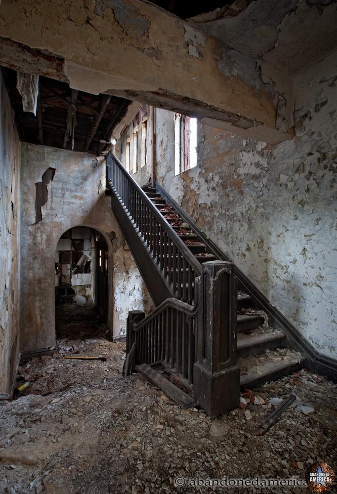 Abandoned Church | Matthew Christopher's Abandoned America