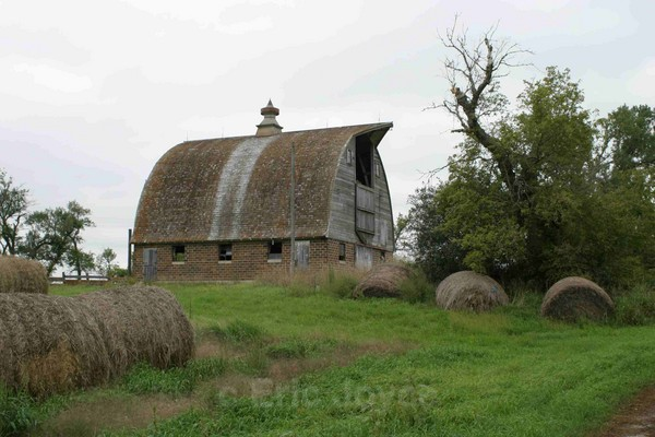 Lincoln County Barn 2 - Barns & Remnants