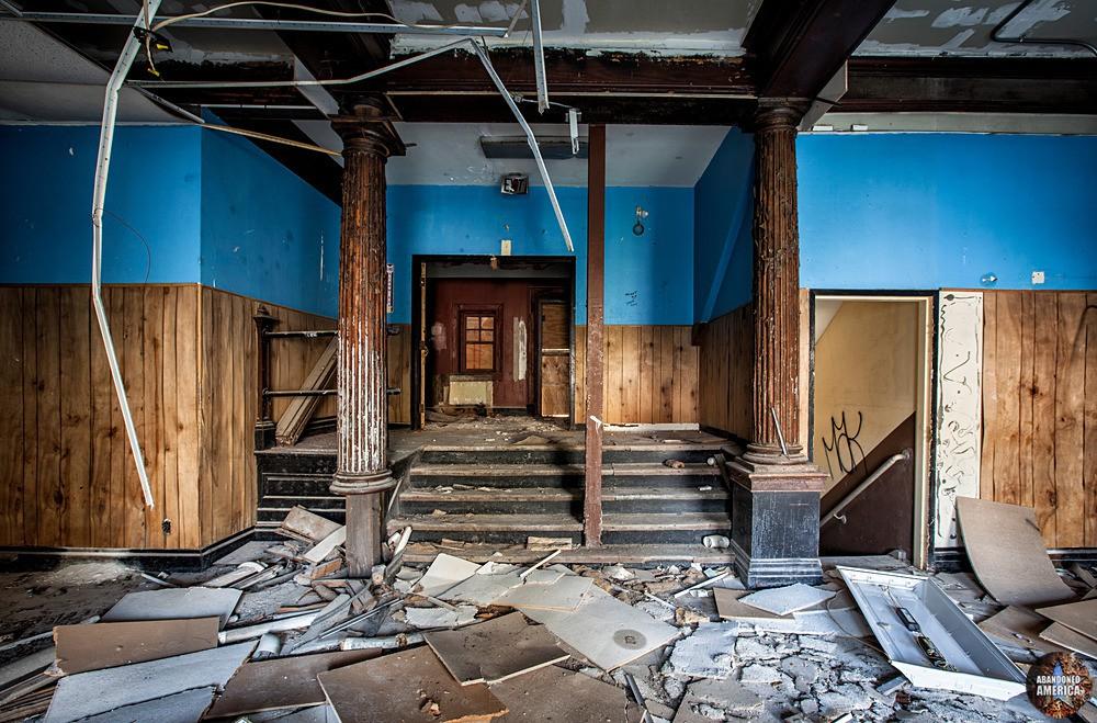 Tome School (Port Deposit, MD) | Peeling Columns - Tome School for Boys