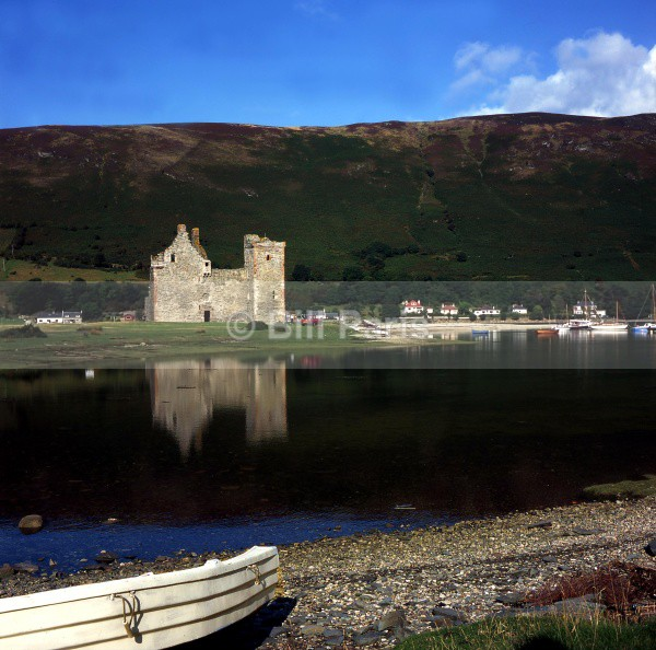 Lochranza Castle Arran - Land and Sea