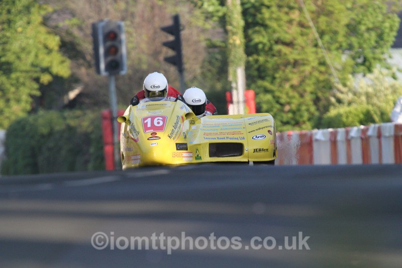 IMG_5482 - Thursday Practice - TT 2013 Side Car