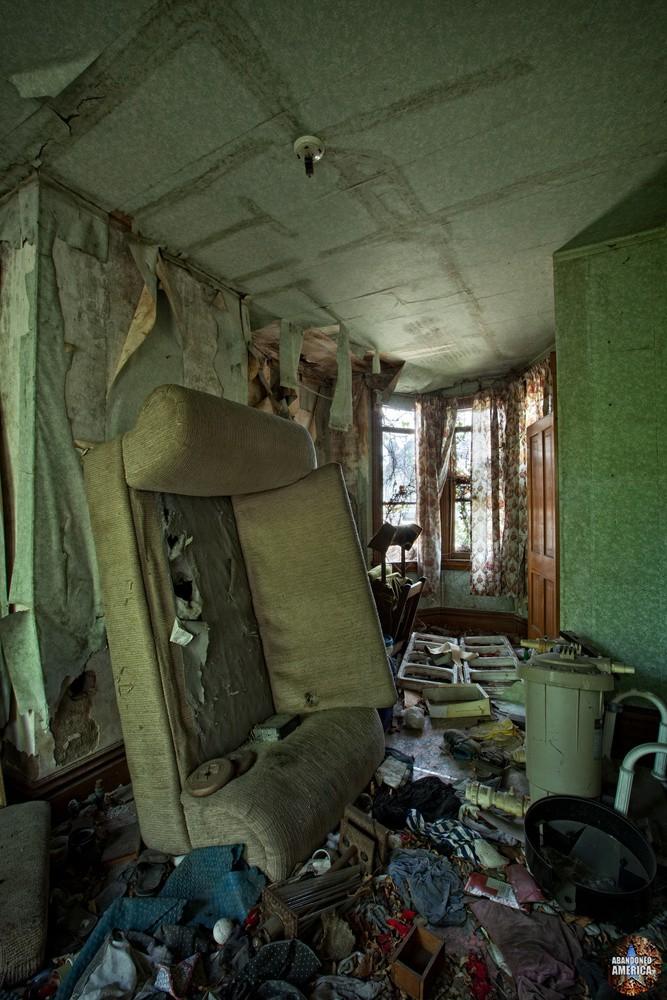 - Ruins of American Homes