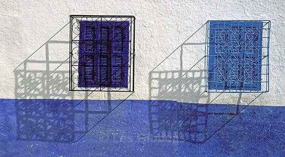 Windows and shadows - Morocco