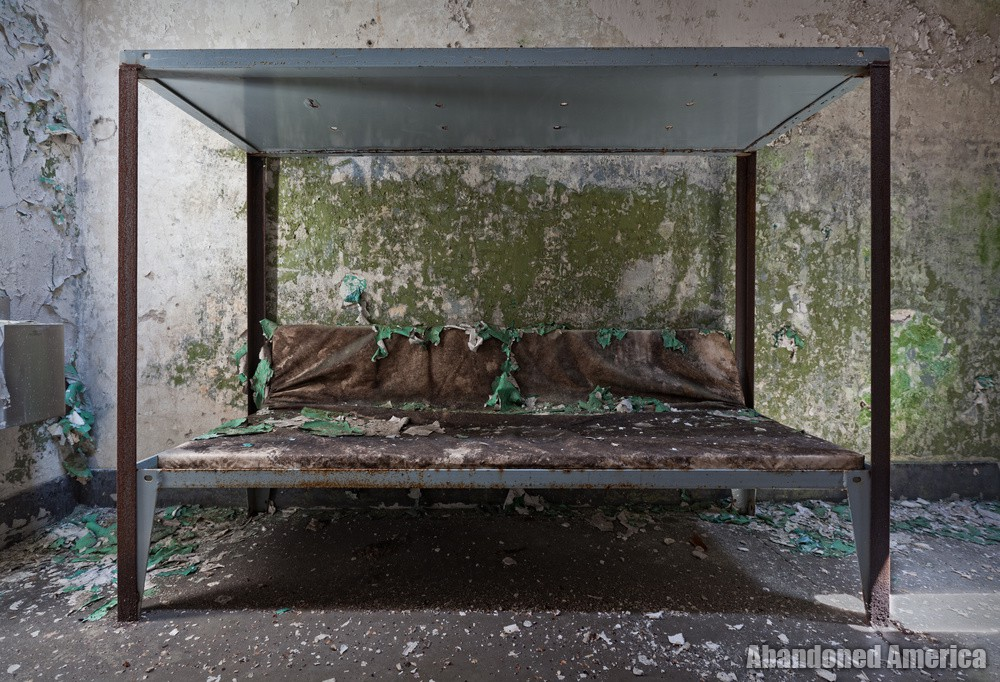 Cell bunk, Holmesburg Prison, Philadelphia PA | Abandoned America by Matthew Christopher