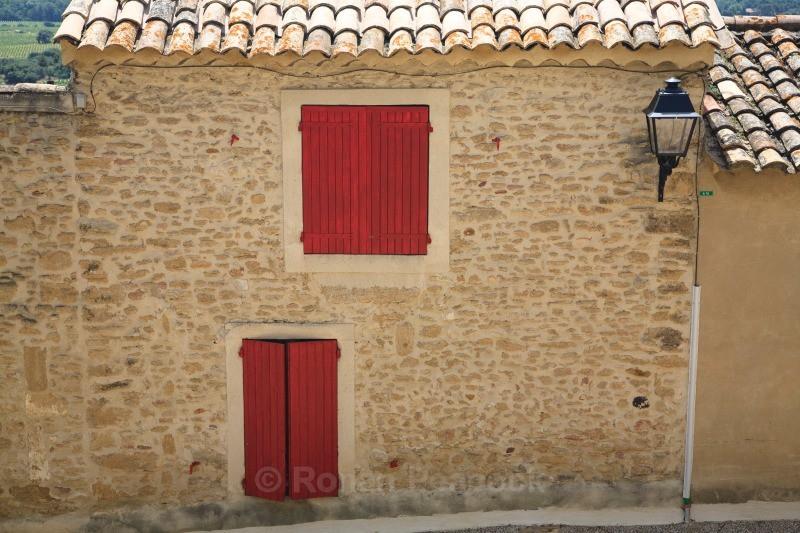 House - Chateauneuf-du-Pape - European Landscapes