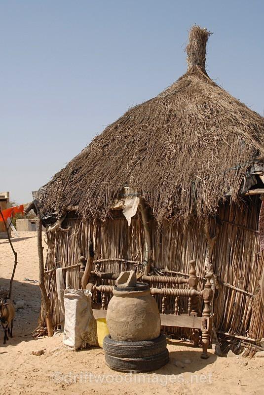 Senegal Fulani Senegal village hut exterior - Senegal Fulani Village