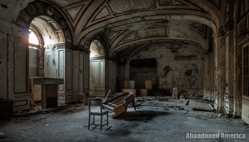 Detroit's Lee Plaza Hotel | Abandoned America
