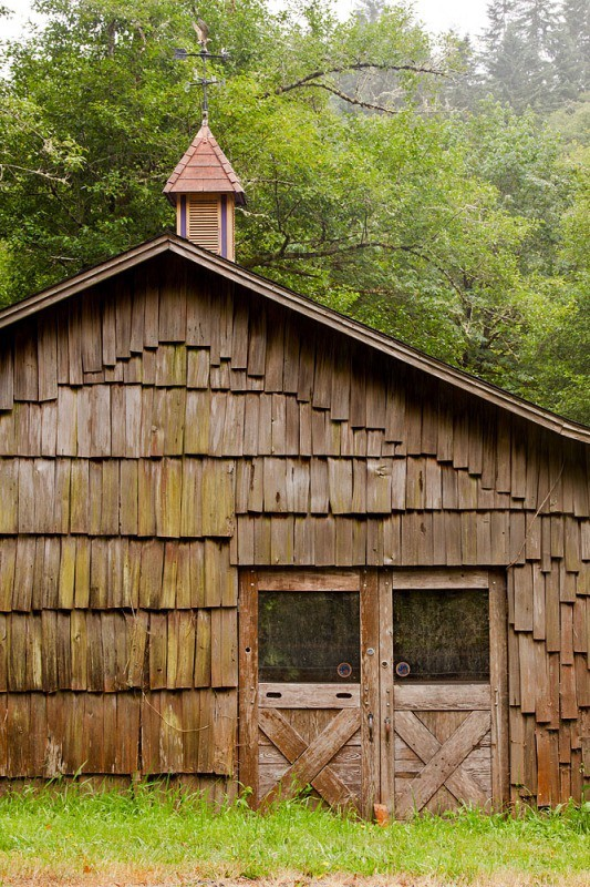 wooden barn - Oregon