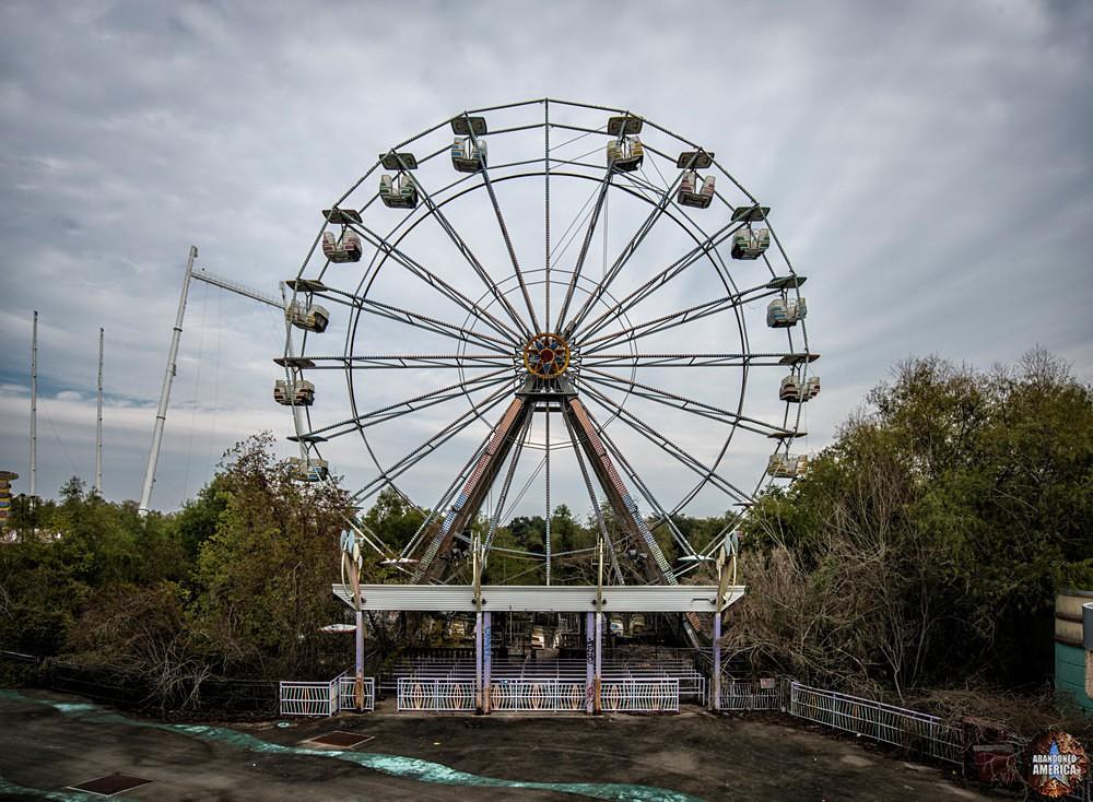 Six Flags (New Orleans, LA)   The Big Easy Ferris Wheel - Six Flags New Orleans