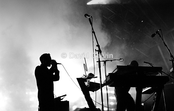 Massive Attack 1 - Live Artists