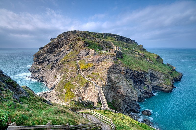 CW11 - Looking across to Tintagel island and castle in North Cornwall) - GREETINGS CARDS - Cornwall Misc and Plymouth