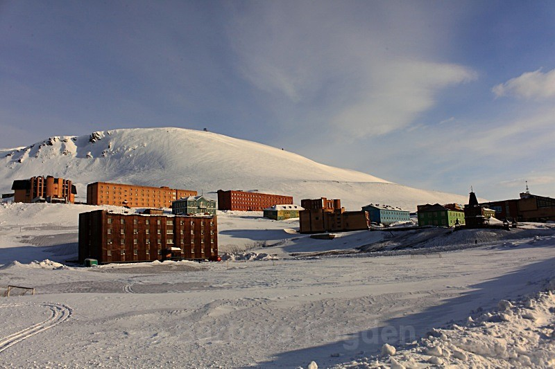 Barentsburg 6219 - Winter in the daylight