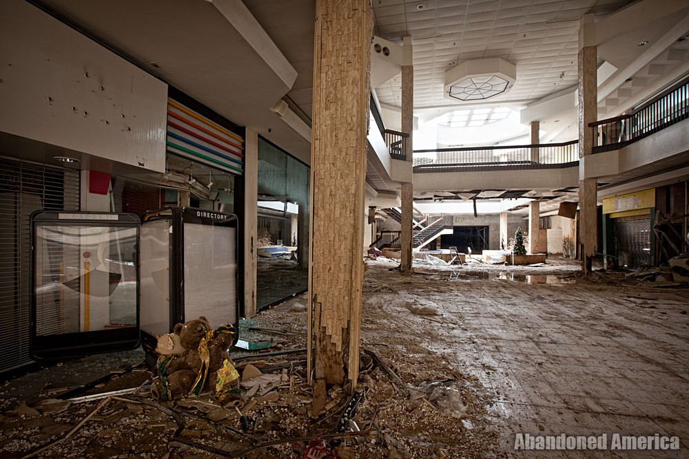 Randall Park Mall (North Randall, OH) | Lonely Bear - Randall Park Mall