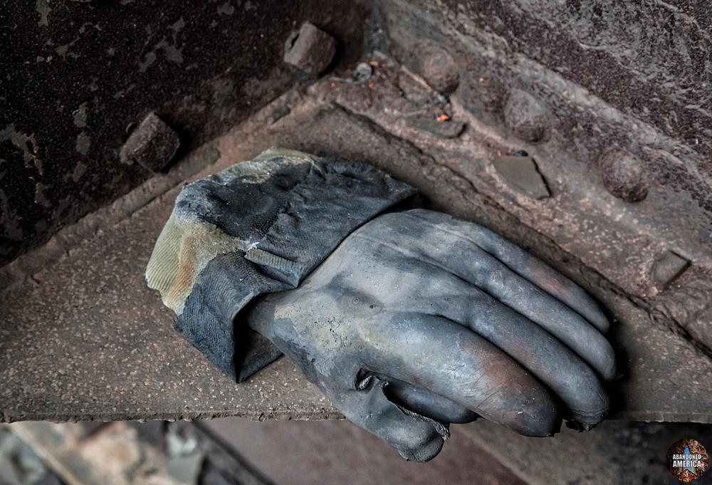 St. Nicholas Coal Breaker (Mahanoy City, PA) | Insulated Glove - St. Nicholas Breaker