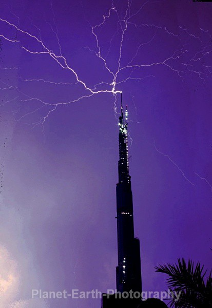 Lightning Strike Dubai Tower 1 - Buildings / Structures