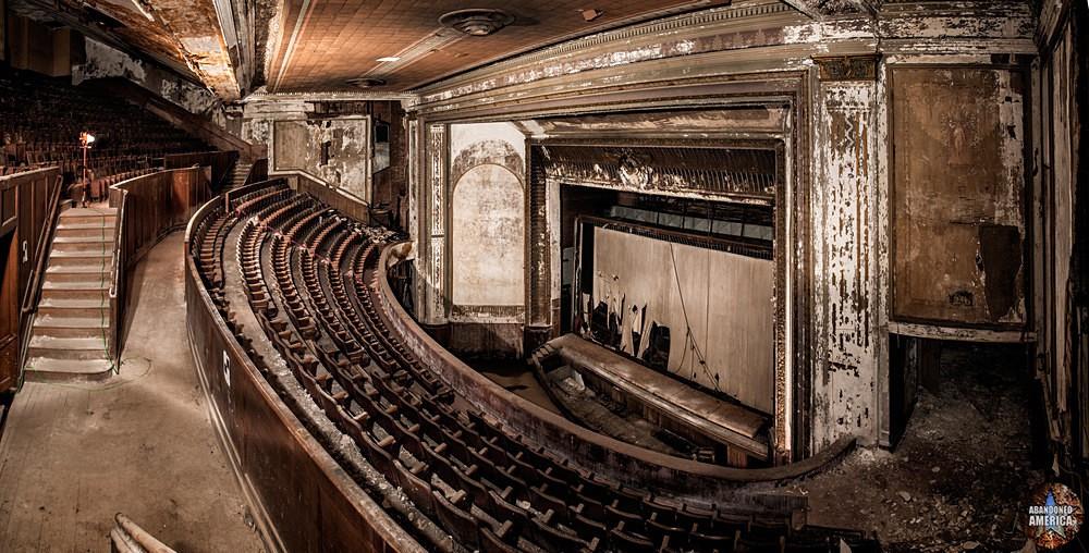 Victory Theatre (Holyoke MA)   Balcony Panorama - The Victory Theatre