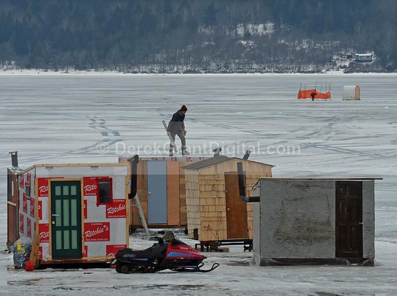 Roof Repairs Ice Shacks Ice Fishing Canada - Ice Shacks