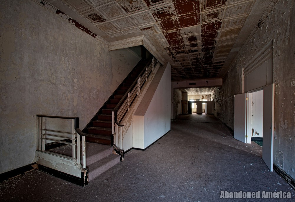 Kaufmans Department Store (Baltimore, MD) | Stairwell - Kaufmans Department Store
