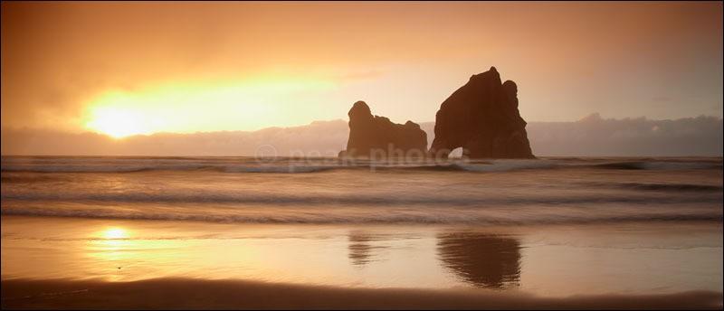 Last Rays at Wharariki - Photographs of New Zealand
