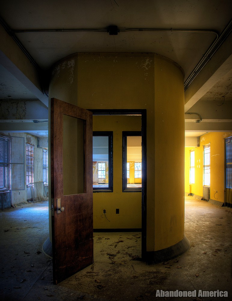 'it gets colder every day': The Abandonment of Undercliff Sanatorium
