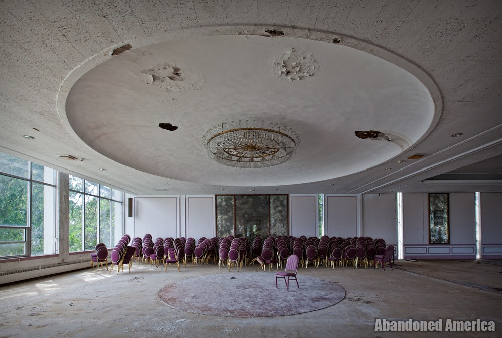 'but in the end no one ever came', Fallside Hotel (Niagara Falls, NY) | Abandoned America