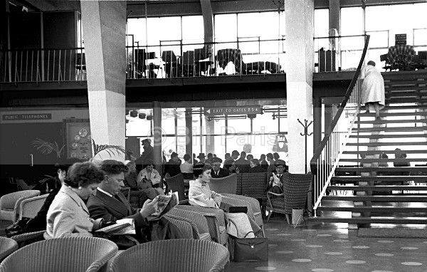Departure Lounge Renfrew 1956 Now Glasgow Airport - Land and Sea