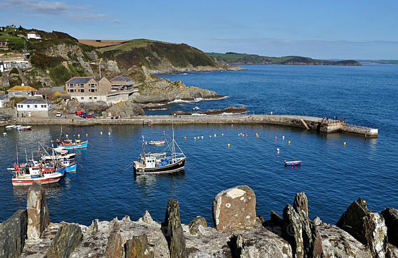 CW06 - Mevagissey outer Harbour - GREETINGS CARDS - Cornwall Misc